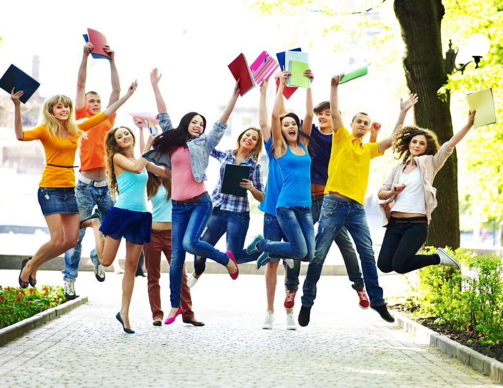 И, главное, молодежь, никогда не забывайте, что в жизни все должно быть поровну: и занятий, и развлечений, и отдыха! Успехов в учебе!