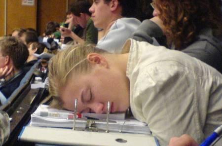 привыкните к темпу обучения и свалке заданий в университете