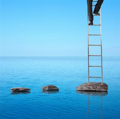 Настоящий мужчина знает, что не все цели и желания осуществятся, но он ищет способы воплотить их в жизнь, не смотря ни на что