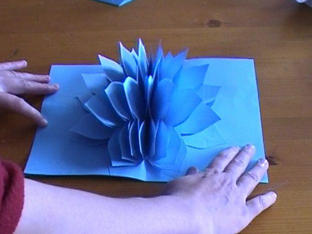 Как сделать открытку раскладушку или просто объемный цветок-подвеску