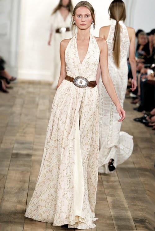 модный коричневый пояс для модного белого платья лето 2014