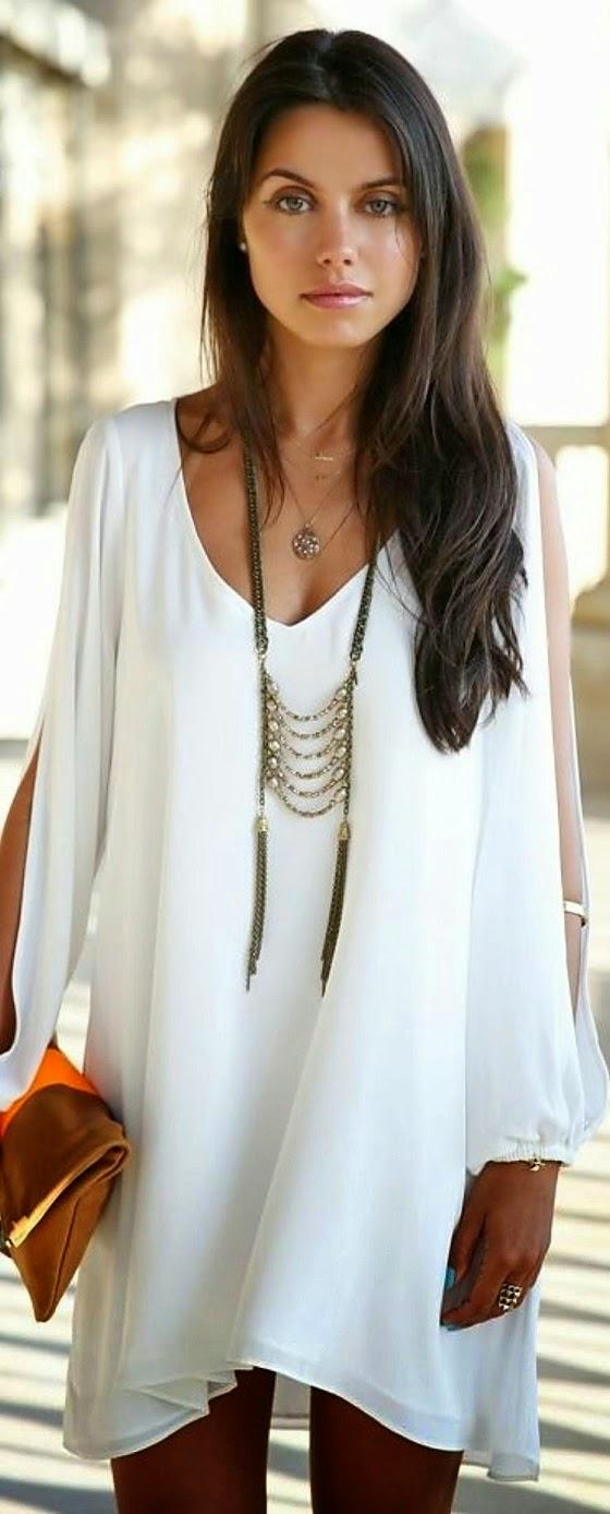 правильное длинное ожерелье для модного белого платья с кружевом