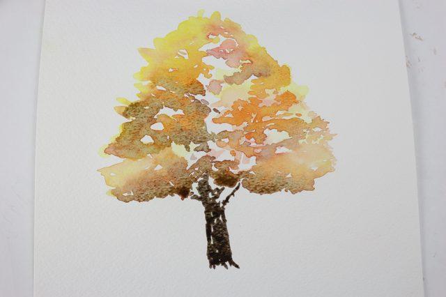 Используя среднюю по размеру кисть, нарисуйте полученным ствол дерева