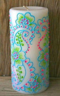 Коммерческим аналогом этой краски (Puff Paint) разрисовывают все от свечей до одежды