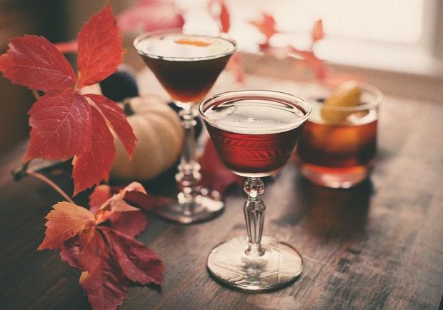 Как готовятся - рецепты - серьезные осенние алкогольные коктейли с ржаным виски
