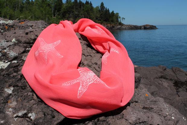 Как сделать отпускной воздушный шарфик в морской тематике