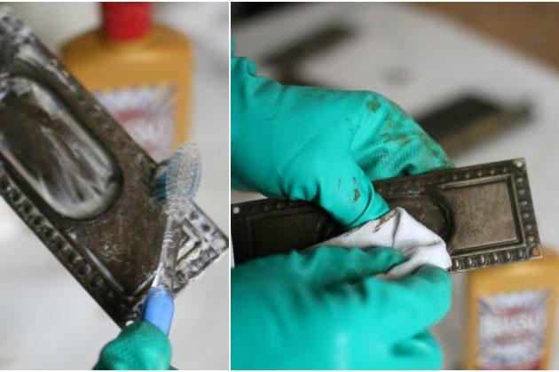 чтобы элемент заблестел, как новый, используйте старую зубную щетку и специальное средство для латуни/меди