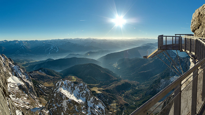 Самые страшные смотровые площадки мира: Альпы и «Дахштайнская небесная лестница в Никуда»