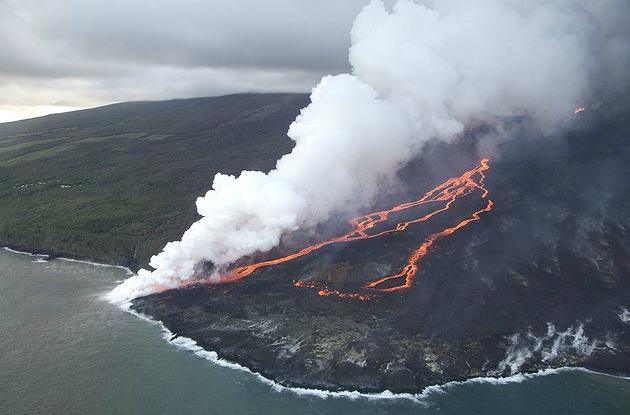 Извержение Piton de la Fournaise на острове Реюньон