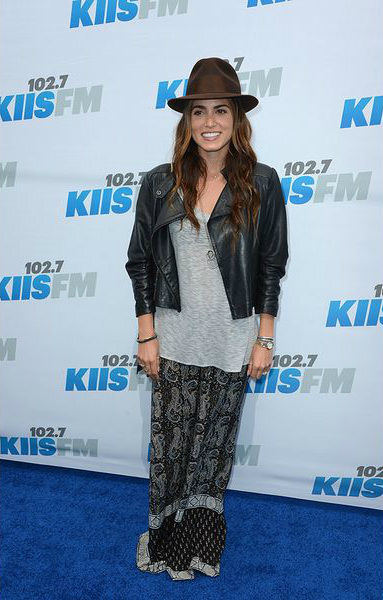 шляпка стиль хиппи треш богемный образ тренд мода осени 2013 Никки Рид (Nikki Reed)