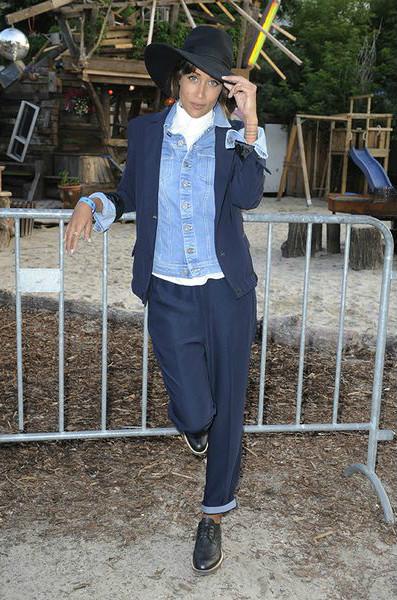 мода на джинсу Шифф (Rabea Schif) шляпа а-ля Никита