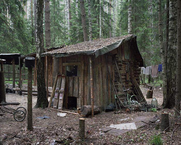 дом отшельника из досок