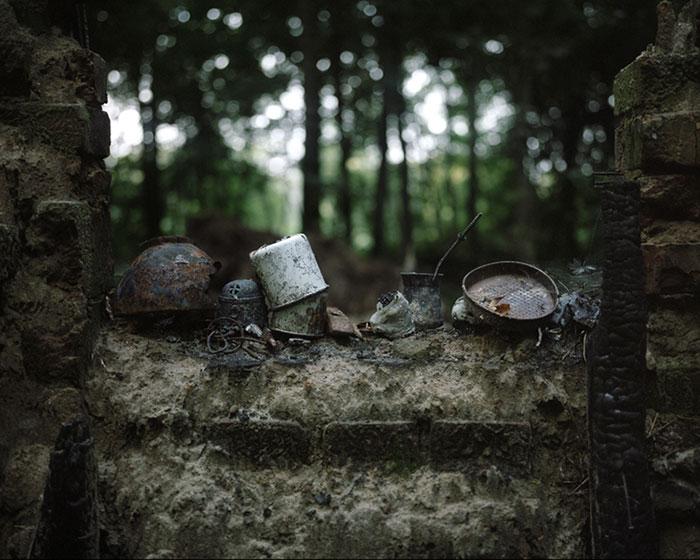 фотограф Данила Ткаченко: металлическая посуда отшельника