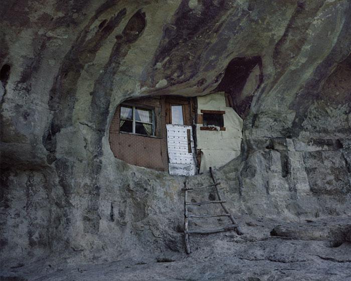 фотограф Данила Ткаченко: дом отшельника в пещере