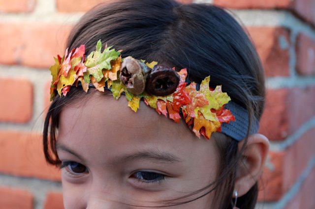 Как делать сезонные ободки, заколки и броши из красочных осенних «листьев»