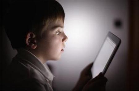 39-45% родителей детей от 2-х до 10-ти лет считают, что технологии предлагают их детям «потрясающий потенциал для обучения»