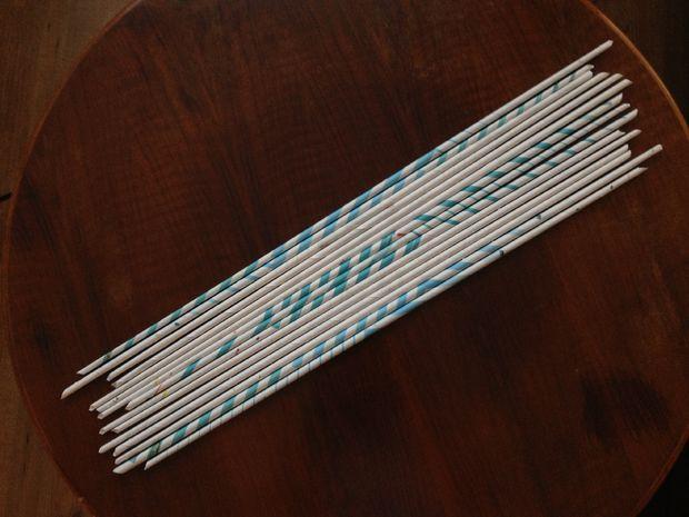 готовые длинные трубочки из газеты