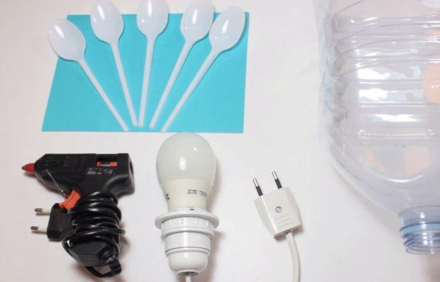исходный набор для люстры из пластиковых ложек своими руками