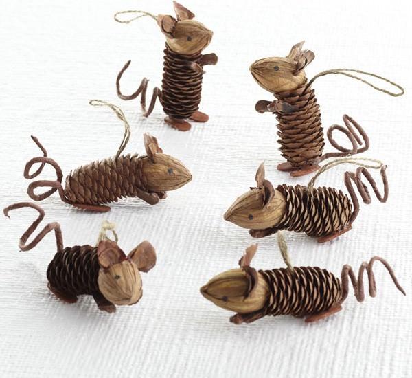 Как из шишек делать фигурки и елочные игрушки - Мышки
