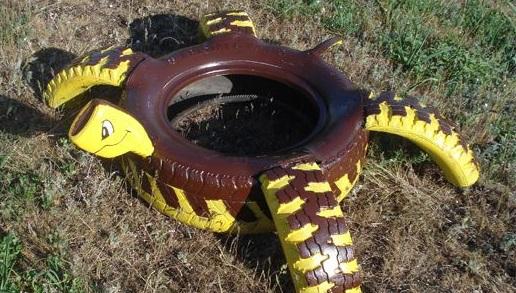 черепаха из автомобильных шин - дизайн для дачных участков и детских площадок