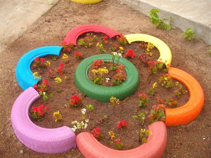 Оригинальные и эстетичные клумбы из шин - клумба-цветок из половинок шин