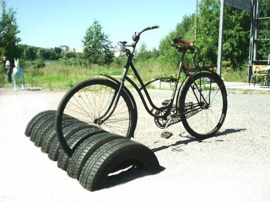 применений шин для дачи и города – стойки для велосипедов