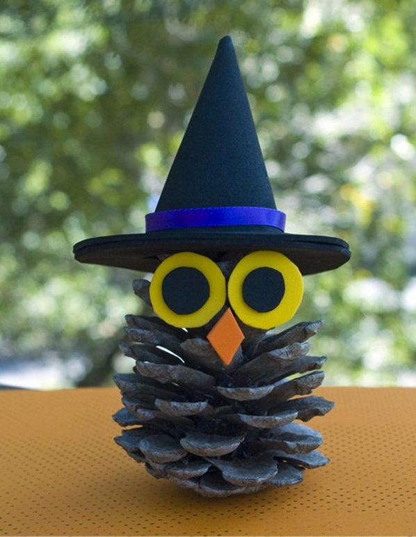 Как из шишек делать фигурки и елочные игрушки - ведьмочка