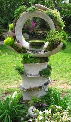 целая скульптура, кстати, всего из одной шины, разрезанной по спирали