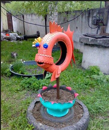 рыба-скульптура-клумба из автомобильных шин - для дачных участков и детских площадок