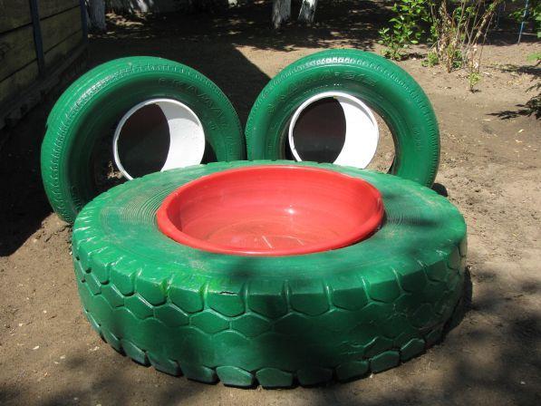 Детская ванночка или водоем дял дачи - в виде лягушки из шин