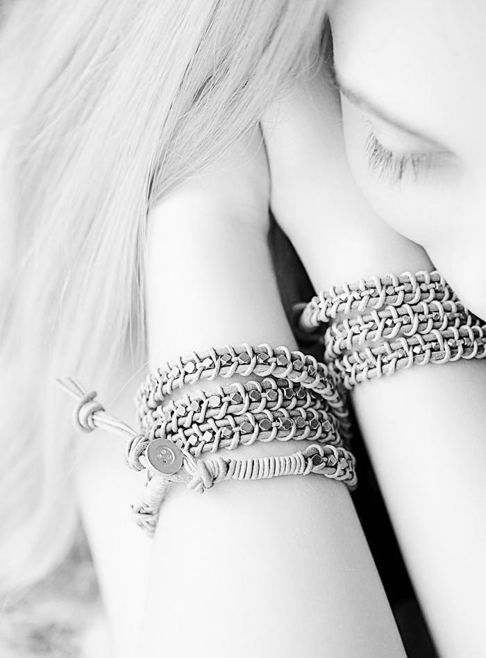 готовый плетеный кожаный браслет своими руками