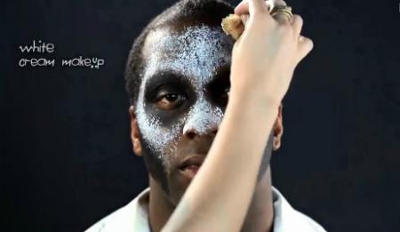 костюм на Хэллоуин - макияж Папаши Легба: белая краска - рисуем череп