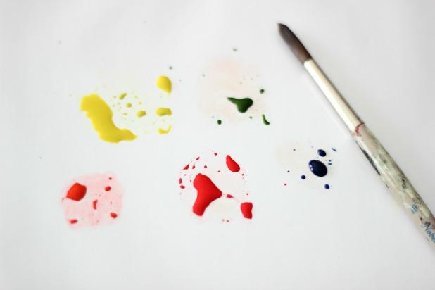 подготовка красок для рисования яблока акварелью