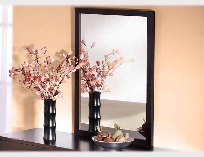 Как подобрать дизайн зеркала и правильно установить его?