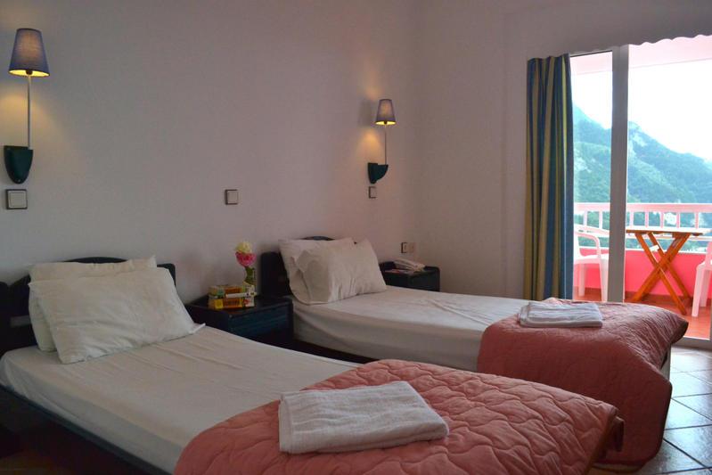 Хостел для вечеринок Топ-10 в мире The Pink Palace, Корфу, Греция