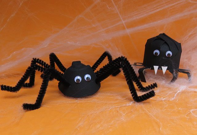 Как за несколько минут сделать 2 вида пауков «из ничего»: Хэллоуин, декор