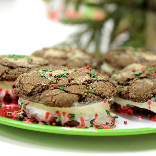 Как приготовить различное декоративное печенье на Новый год - покупная тематическая посыпка