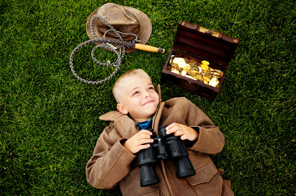 детская охота за сокровищами в стиле Индианы Джонса