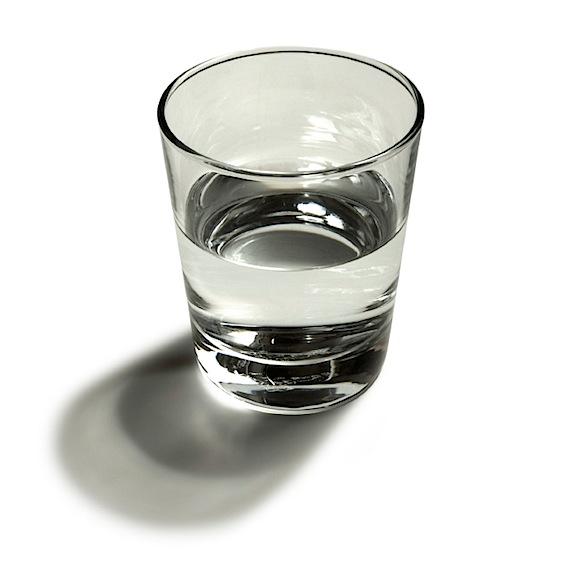 полстакана воды