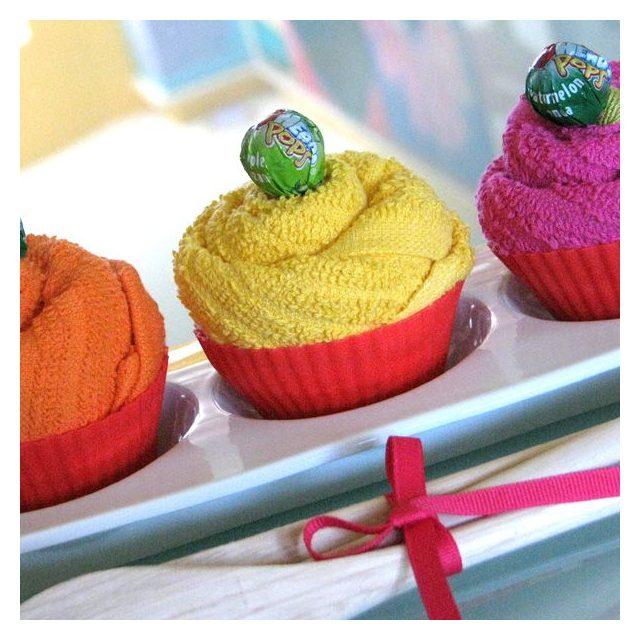 Как сделать кексы из полотенец для рук в подарок