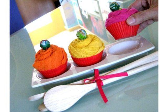 """Красиво расставляем """"кексы"""" на тарелке – 2-3 штуки на упаковку"""