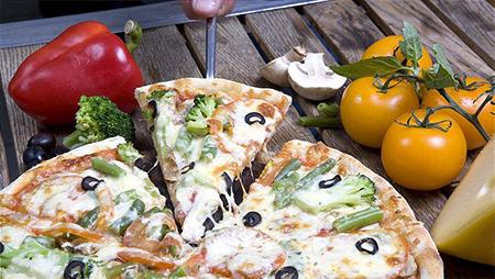 Домашняя вегетарианская пицца