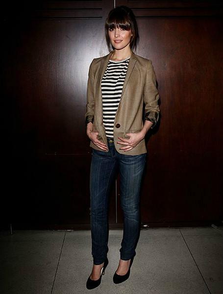 Роуз Бирн (Rose Byrne) в блузе-тельняшке