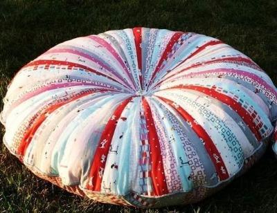 Как сшить круглую подушку из лоскутков