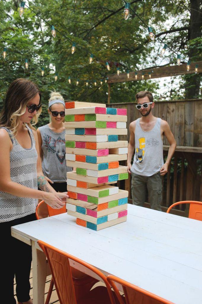 Как креативно развлечь детей на даче: улица, гигантская дженга