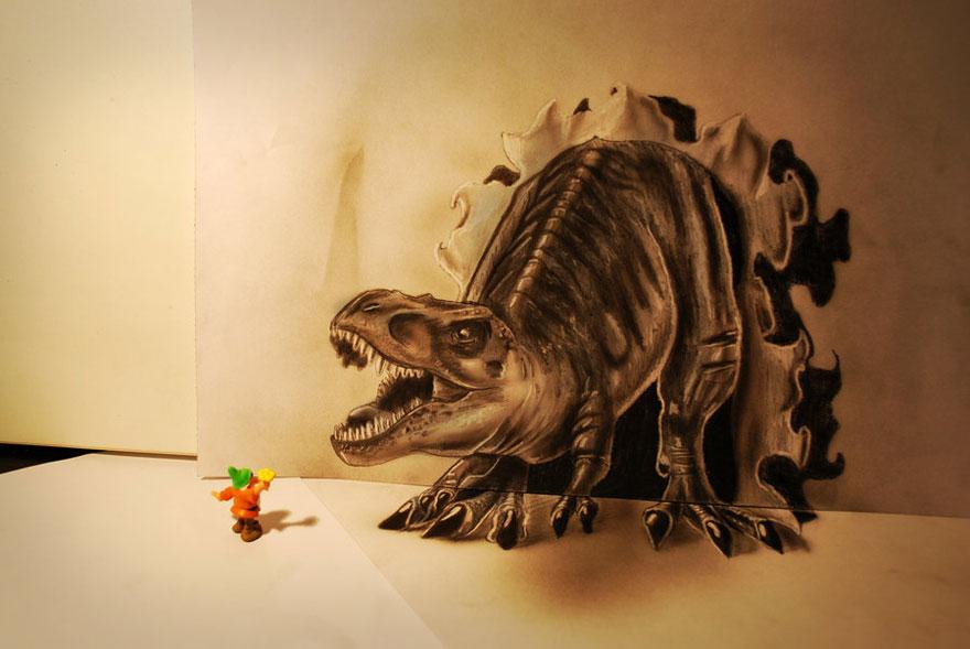 3D рисунок (объемный) на бумаге: динозавтр пытается съесть игрушечного гнома