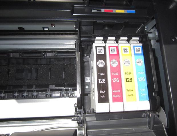 Откройте принтер и запомните номер картриджа и/или уникальное его название