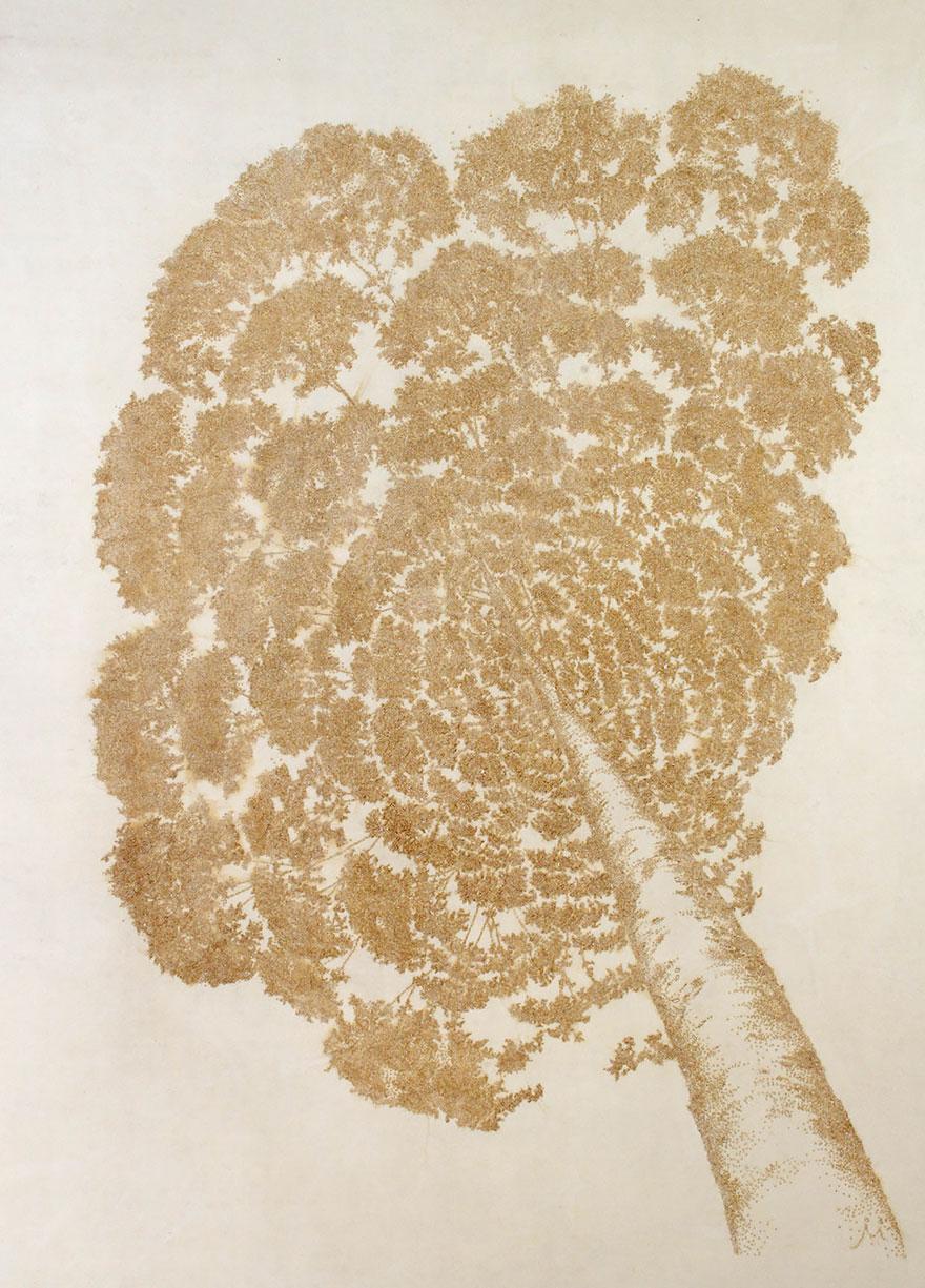 картины прожиганием отверстий в бумаге: крона дерева, вид снизу вверх