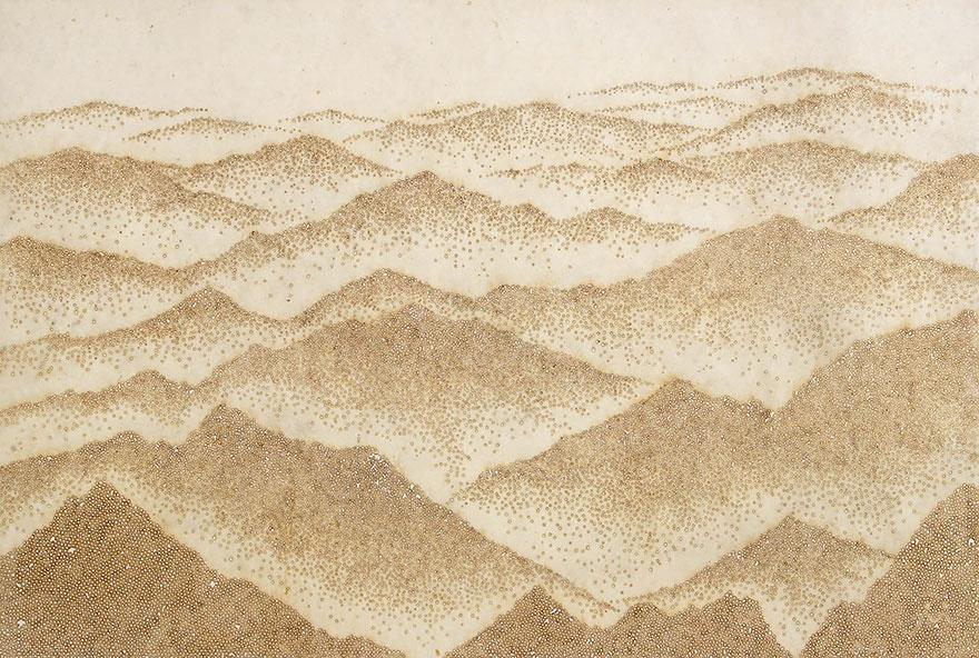 картины прожиганием отверстий в бумаге: зеленые горы Кореи с высоты птичьего полета