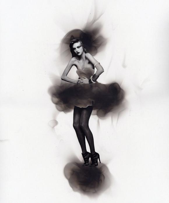 Как художники рисуют огнем - Стивен Спазук (Steven Spazuk): танцующая девушка